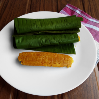 Dudiya Kadambe - A sweet, traditional steamed Konkani pumpkin snack - A teatime delight