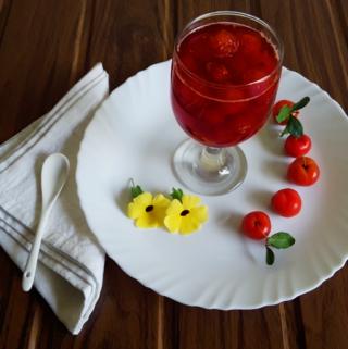 Acerola cherries in sugar syrup