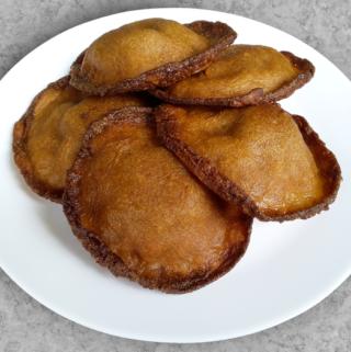 A plate of yummy neyyappam or yeriappam