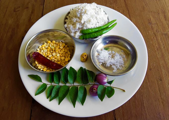 Ingredients for Roasted Chickpea Coconut Chutney