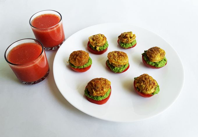 Egg Mint Matoes with Tomato Smoothie