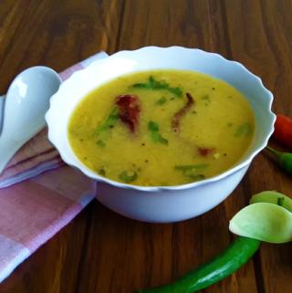 Dali Toye - A delicious, fragrant, traditional Konkani tor dal (split pigeon pea lentil) soupy curry.