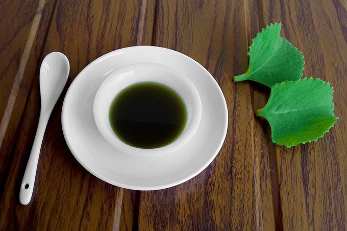 Indian mint (Sambraguli panna jhade in Konkani / Pani koorka or Kanji koorka in Malayalam / Indian borage / Country borage / Spanish thyme / Mexican mint / Cuban oregano / Plectranthus amboinicus) cough syrup