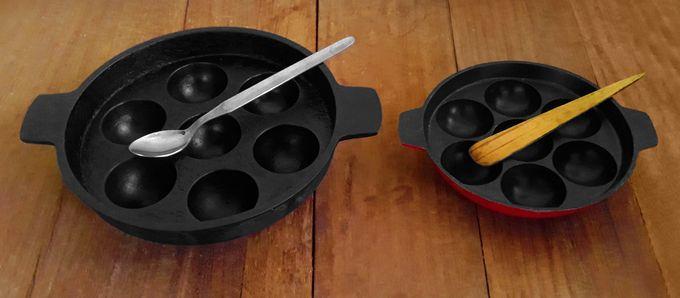 Cast-iron and non-stick unniyappa chatti / appam patra / appa patram / appa chatti / kuzhiyappa chatti