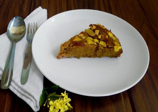 A sweet, delicious, moist, soft, healthy jackfruit cake with chewy jackfruit bits. Egg-free, dairy-free and refined sugar free.